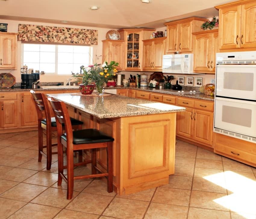 Bright-Casual-Modern-Kitchen