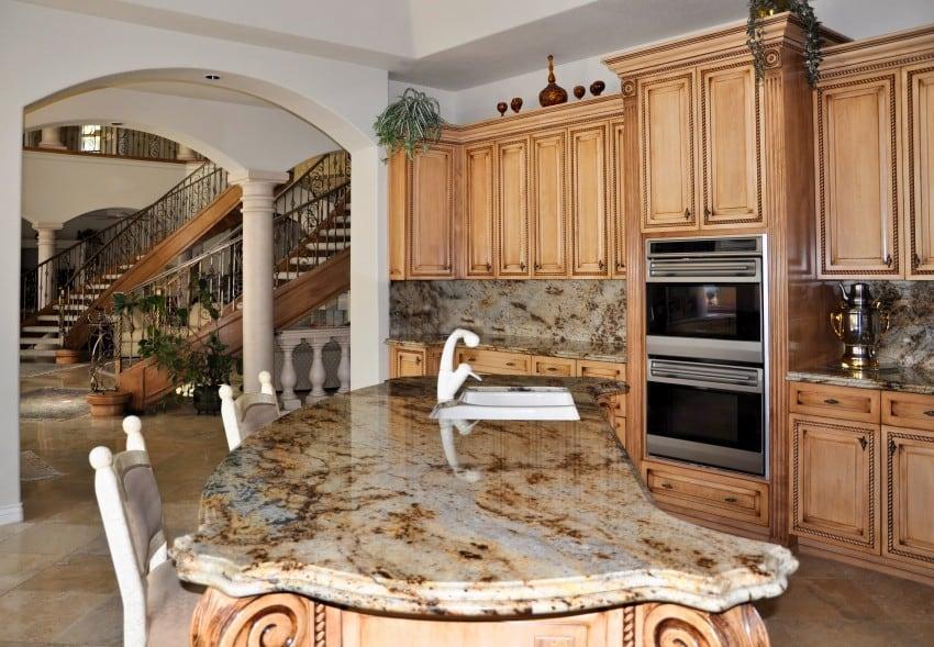 Grand-luxury-kitchen