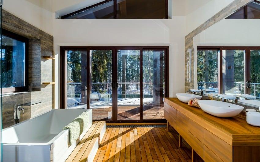 Modern-Bathroom-In-Sun-Light