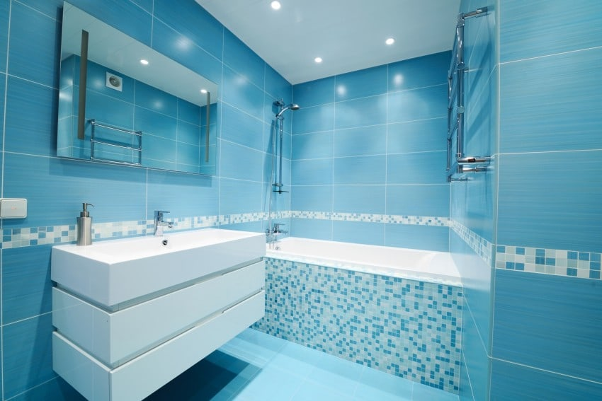 Modern-bathroom-blue-interior