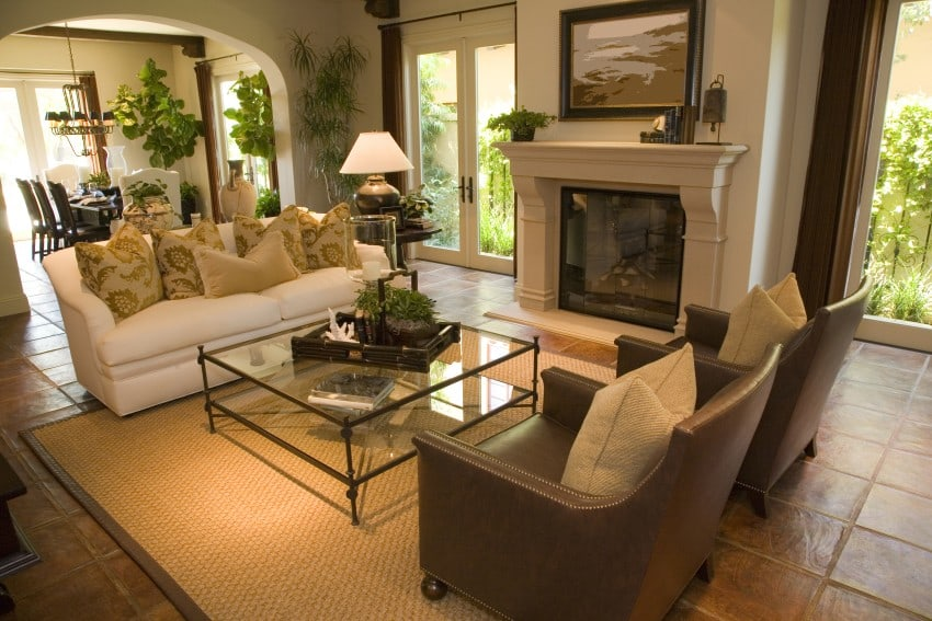 Living-Room-With-Modern-Decor