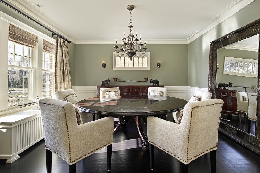 12-bigstock-Dining-room-in-luxury-home16568681