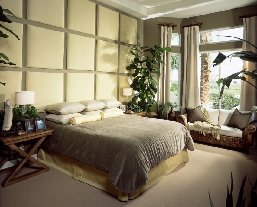 room with Upholstered fabric wall