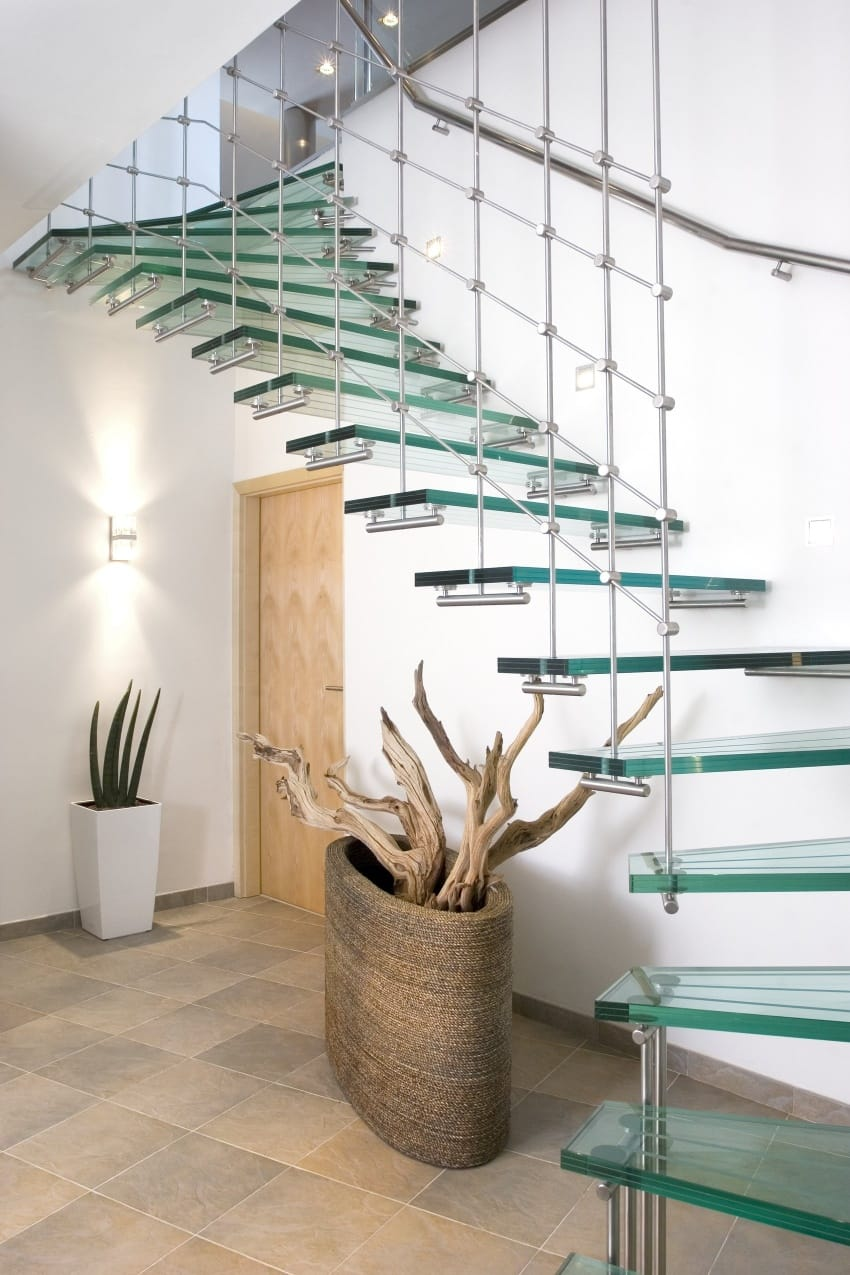 Suspended glass steps