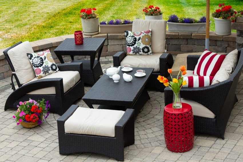 Cozy-Patio-Furniture-On-Luxury