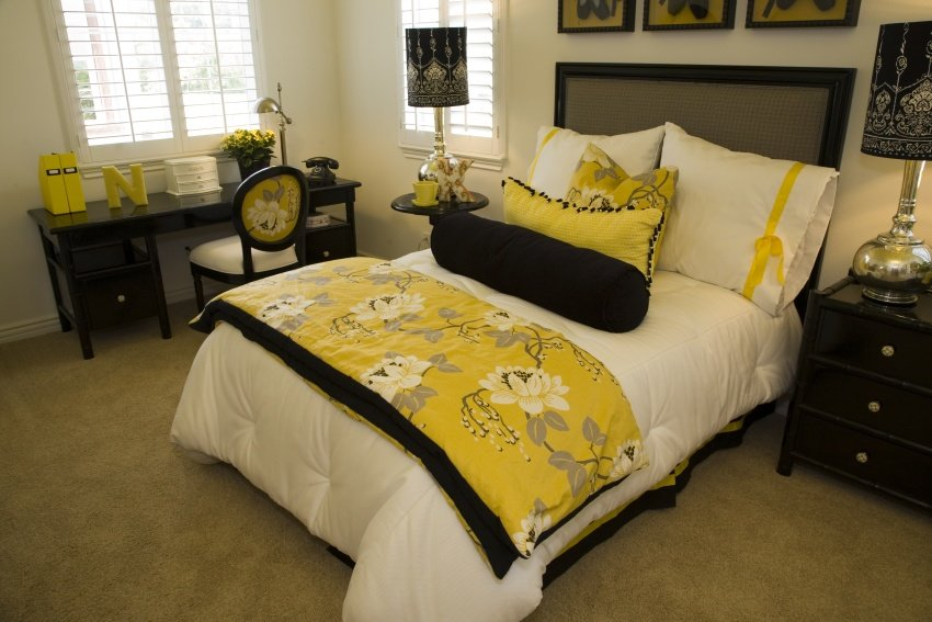 cheerful yellow color bedroom