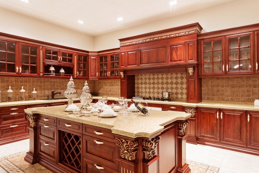 redwood U-shaped kitchen design