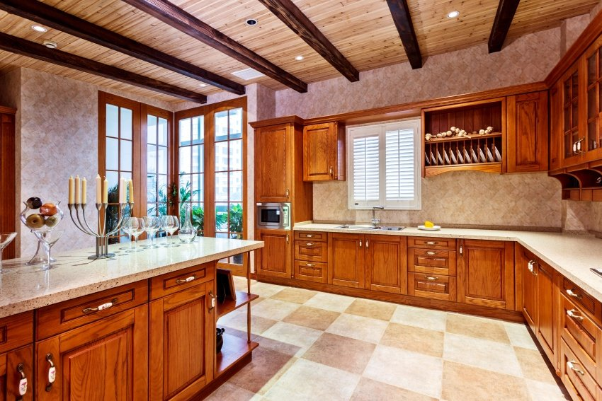 traditional caramel-colored kitchen