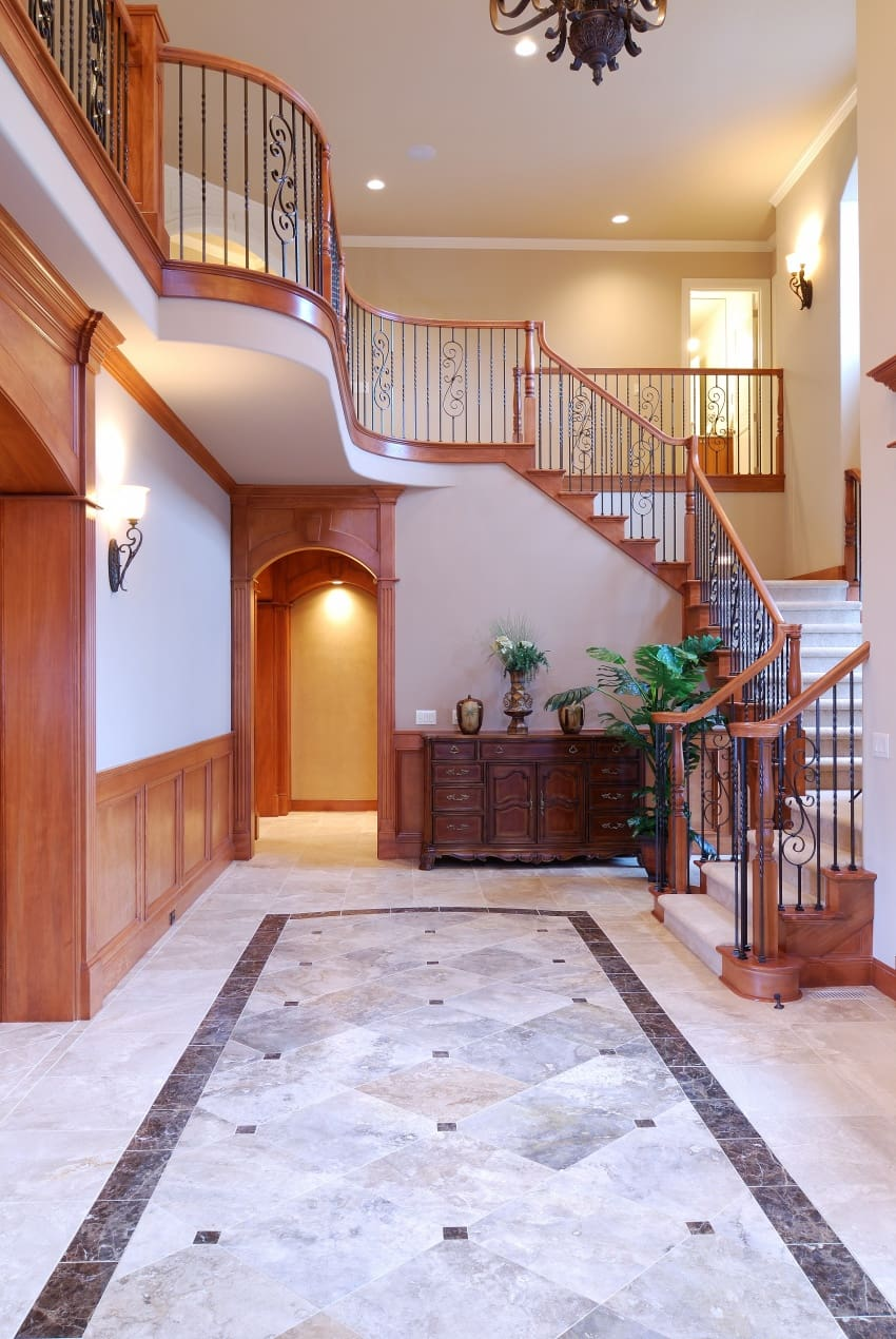 traditional idea for hallway design