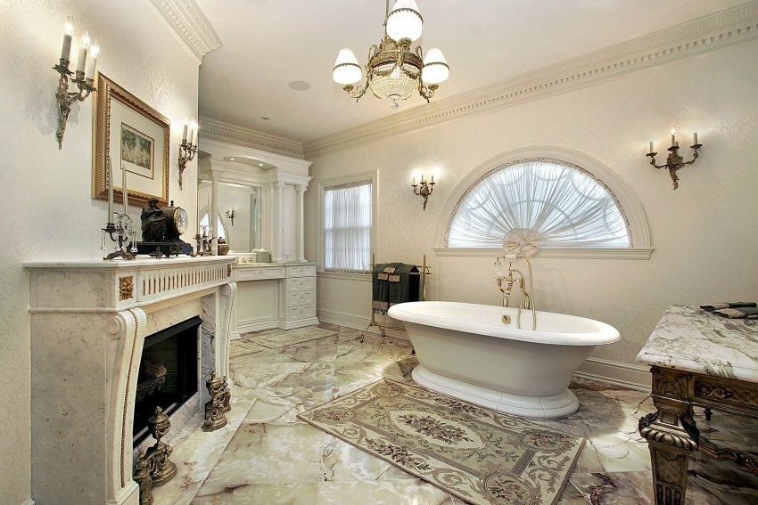 Oval Antique Bathtub