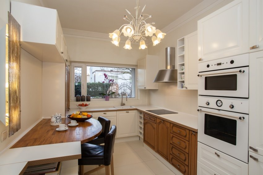 cozy little kitchen