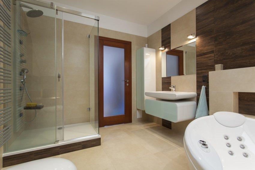 modern bathroom in earthy hues