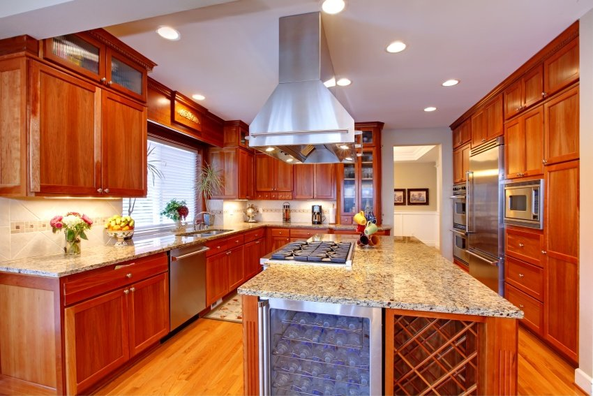 kitchen with Floor to ceiling cabinetry