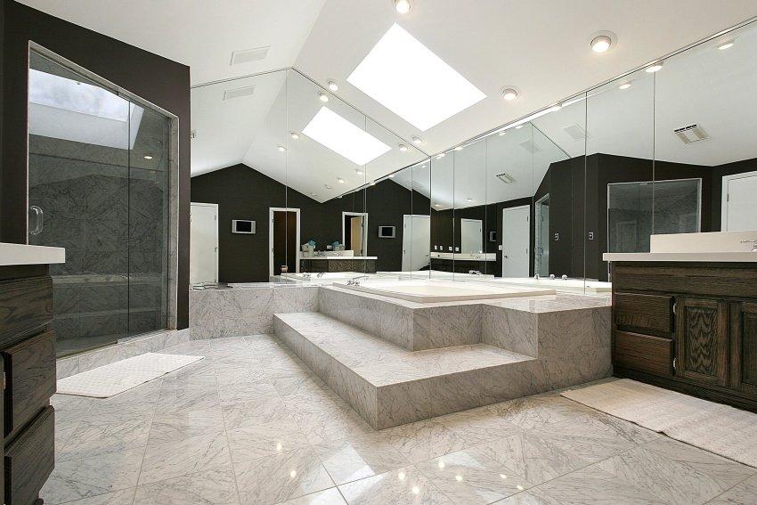 bathroom with mirror walls