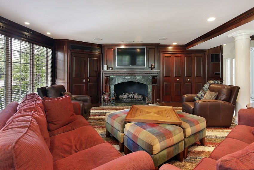 traditional design family room
