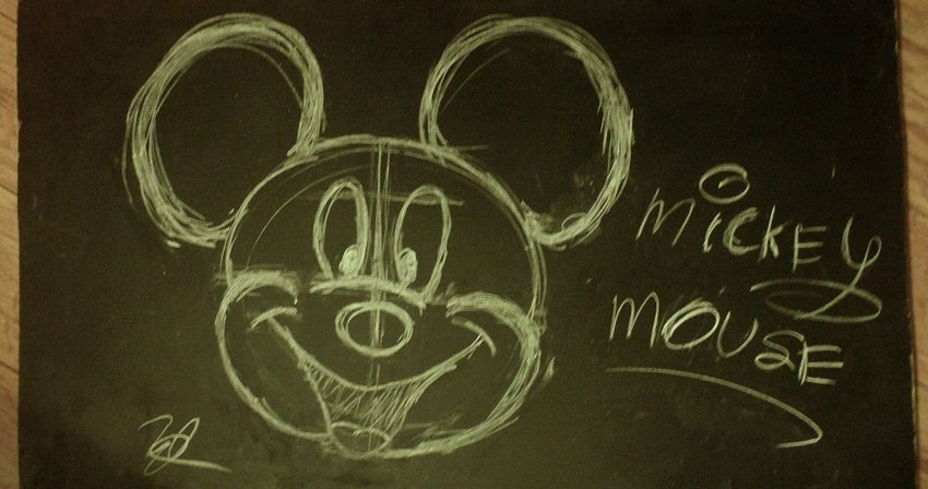 mickey_mouse_chalk_board