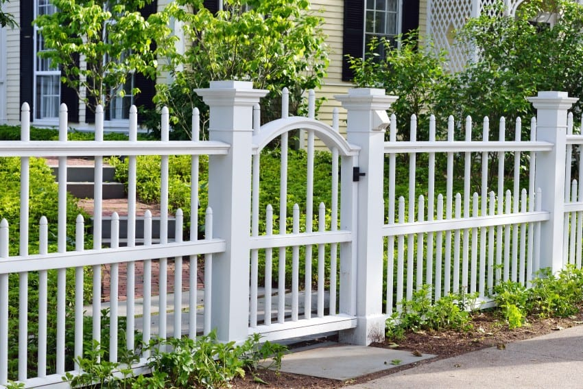 Fence styles and designs for backyard front yard images - Fence designs for front yards ...