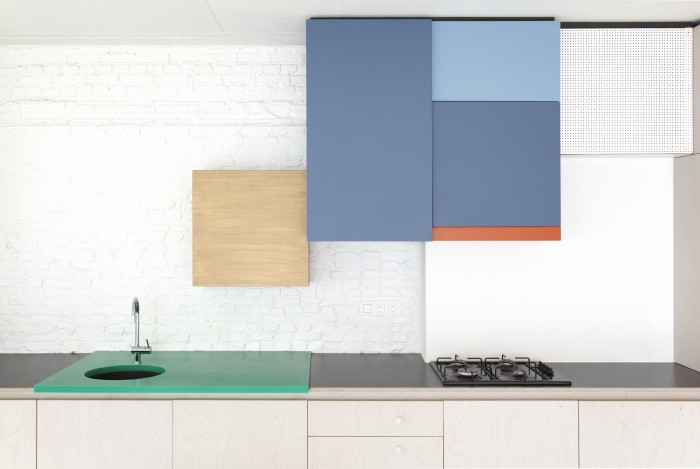 color blocking in kitchen