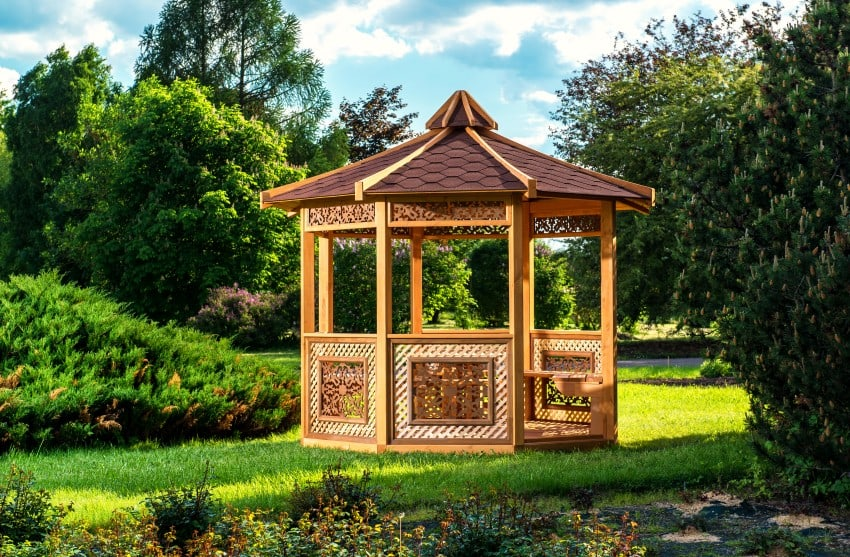 octagonal-shaped garden structure