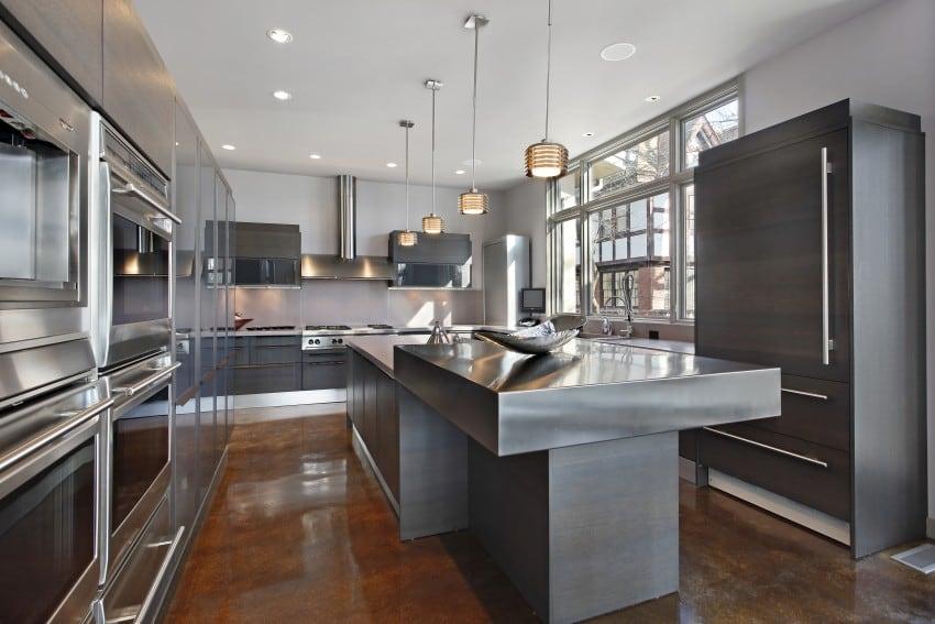 stainless-steel-kitchen-countertop