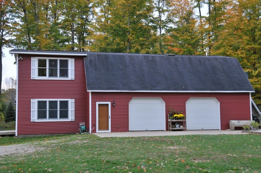 red color vinyl siding