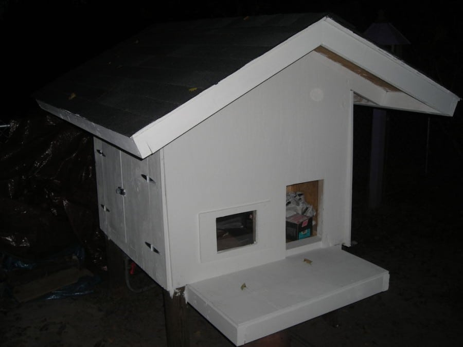 dog house with air condition