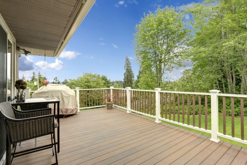 light neutral shades colored deck