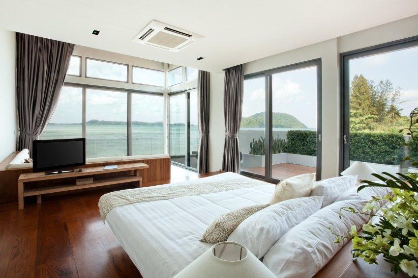 bedroomshutterstock_90571249