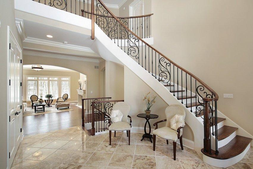 foyer-modern-home-shutterstock_32038711