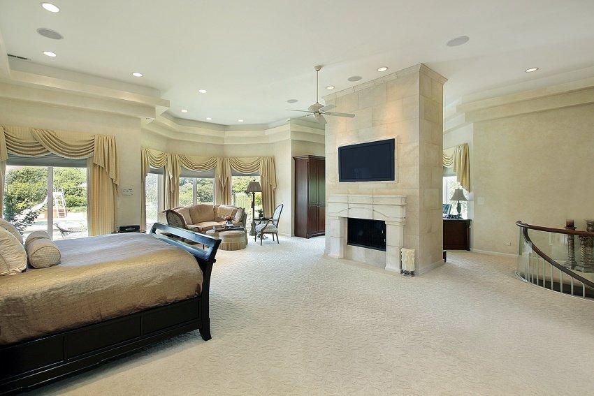 modern-bedroom-shutterstock_37067791