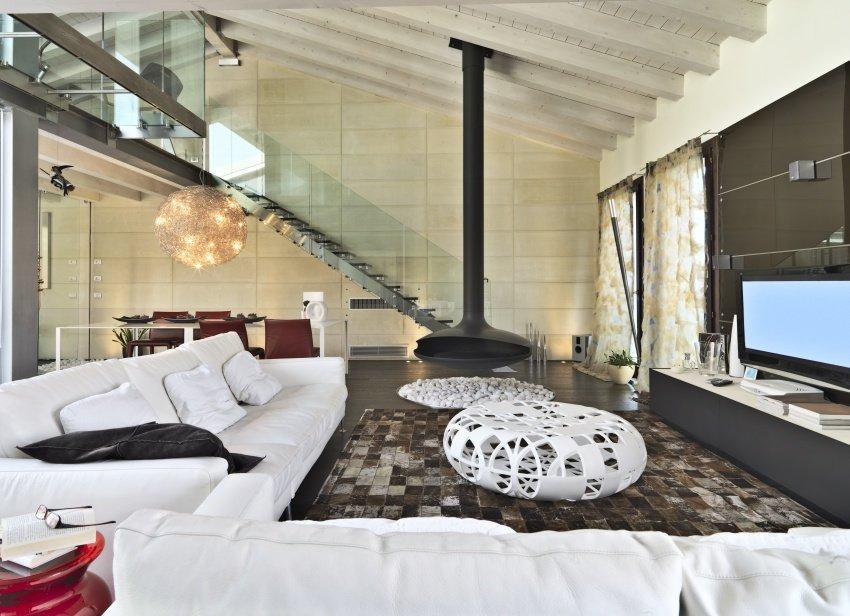 modern-living-room-shutterstock_177811412