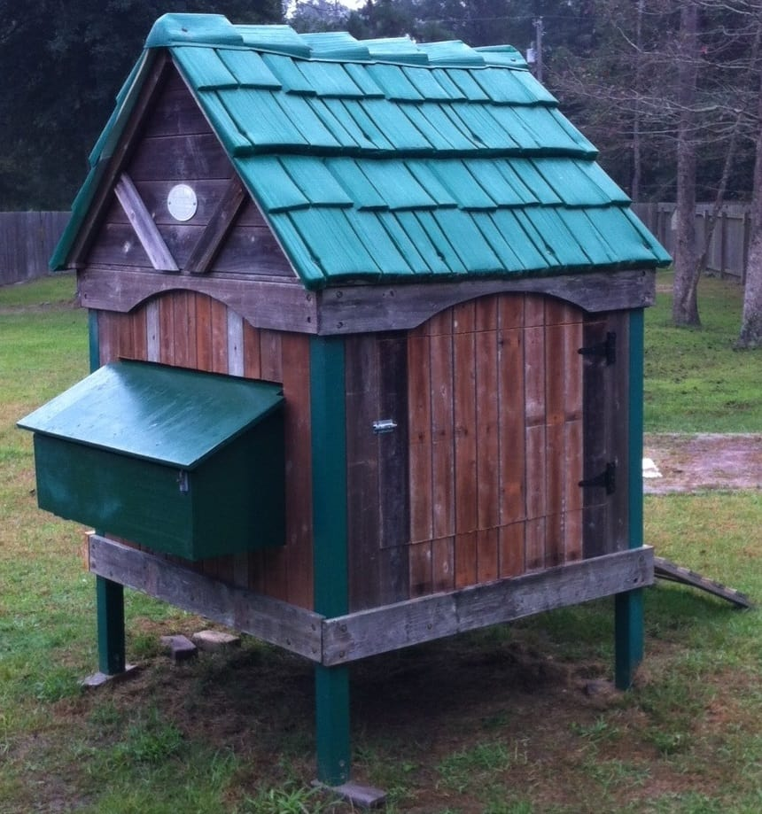 30 awesome custom chicken coop ideas and diy plans photos for Awesome playhouse plans