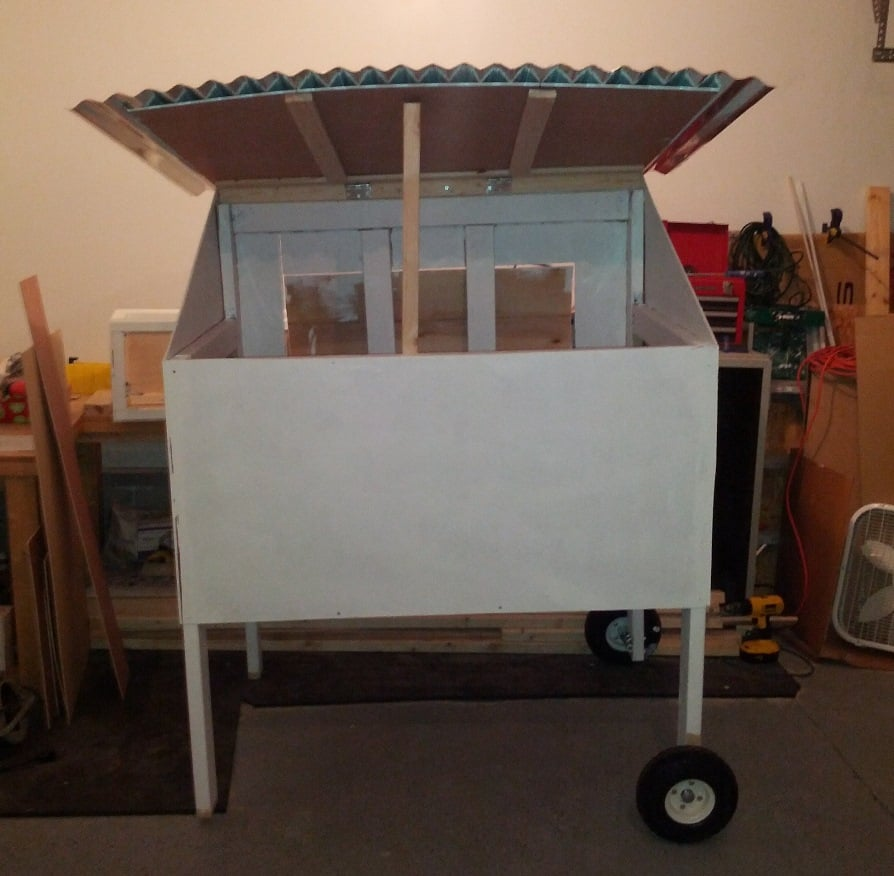 mobile-chicken-coop2-small