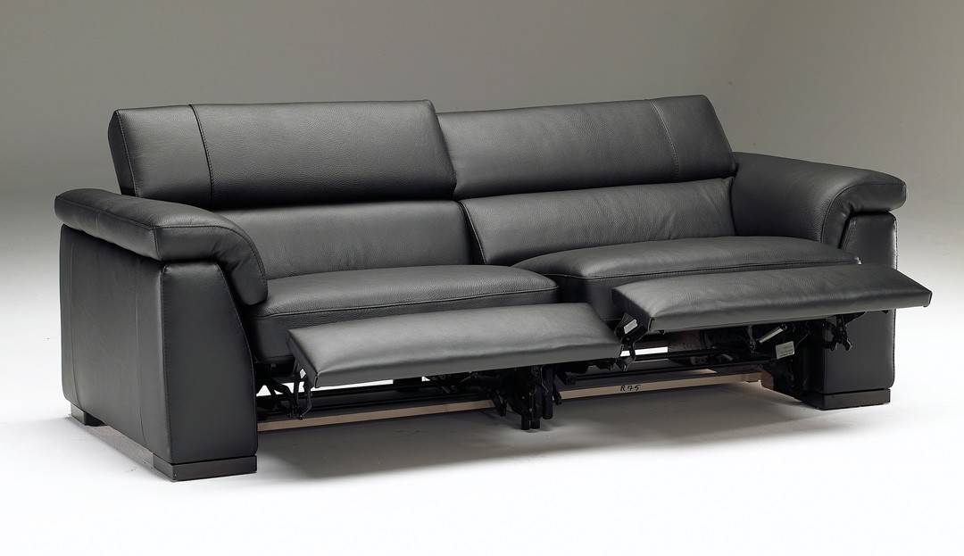 Types of Sofas amp Couche Styles 40 PHOTOS : reclining sofa from www.epichomeideas.com size 1080 x 623 jpeg 38kB