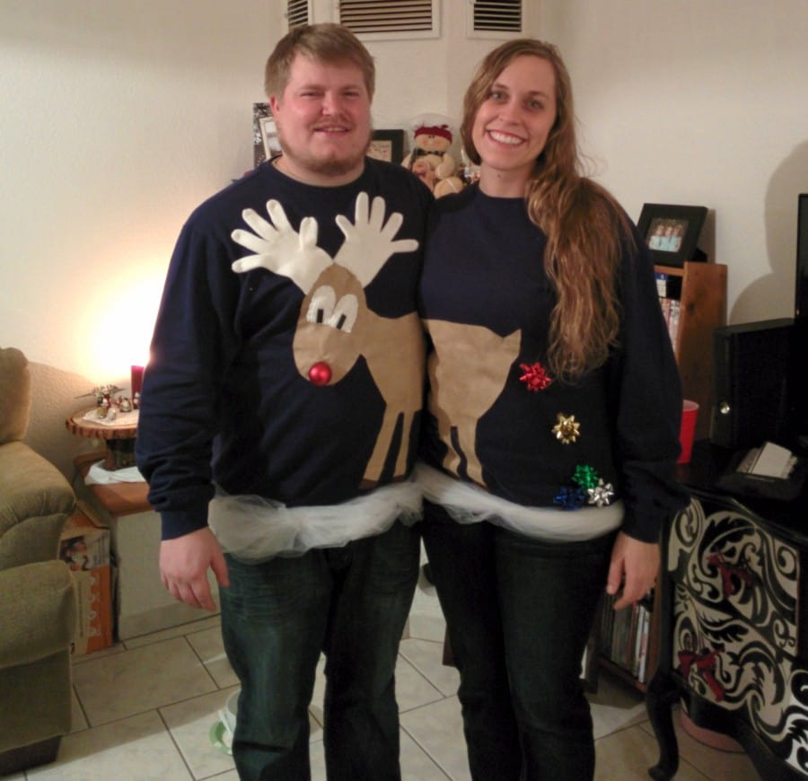 reindeer-sweater_crop