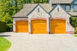 54 Cool Garage Door Design Ideas (PICTURES)