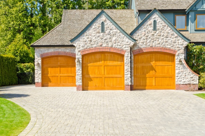 54 Cool Garage Door Design Ideas (PICTURES)