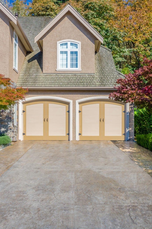54 Cool Garage Door Design Ideas (PICTURES) on Garage Door Ideas  id=89381