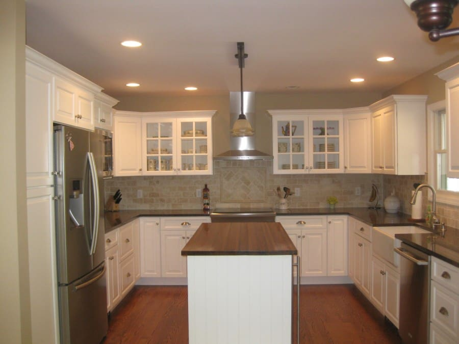 Kitchen design u shaped layout small u shaped kitchen for Tiny u shaped kitchen designs