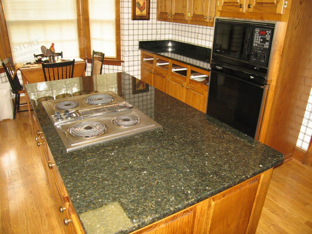 Kitchen Backsplash With Uba Tuba Granite