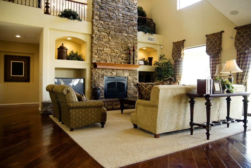 If you like to live big, here is a living room that you may like.