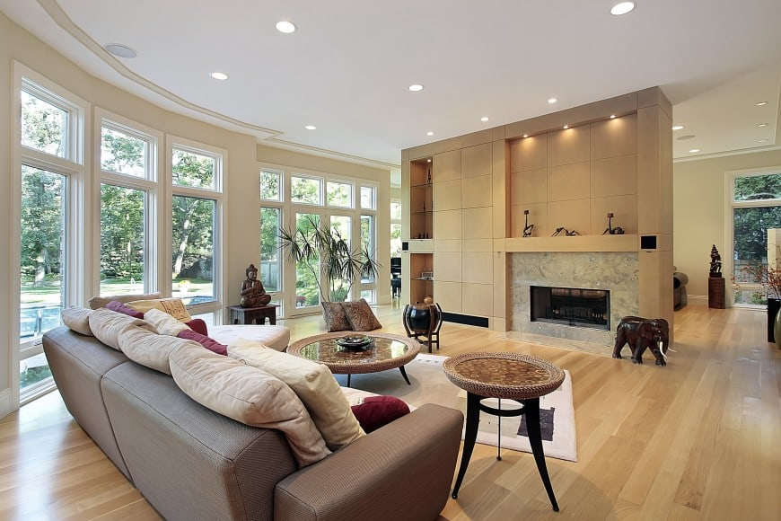 Here is another light and open living room interior design with a modern appeal.