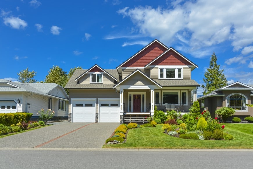 Here is another house design with great curb appeal