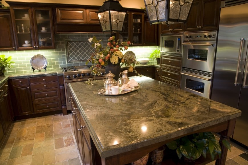 traditional kitchen design with stainless steel appliances