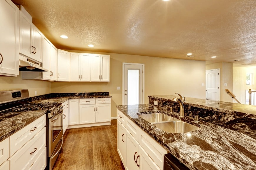 Here is another kitchen design with hardwood floors