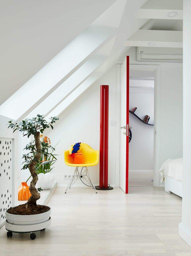 Modern White Design Studio Apartment – Margeza Design Studio