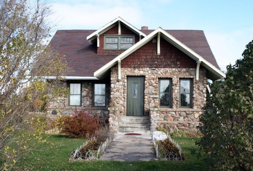 7 Popular Siding Materials To Consider: 8 Types Of House Siding Materials