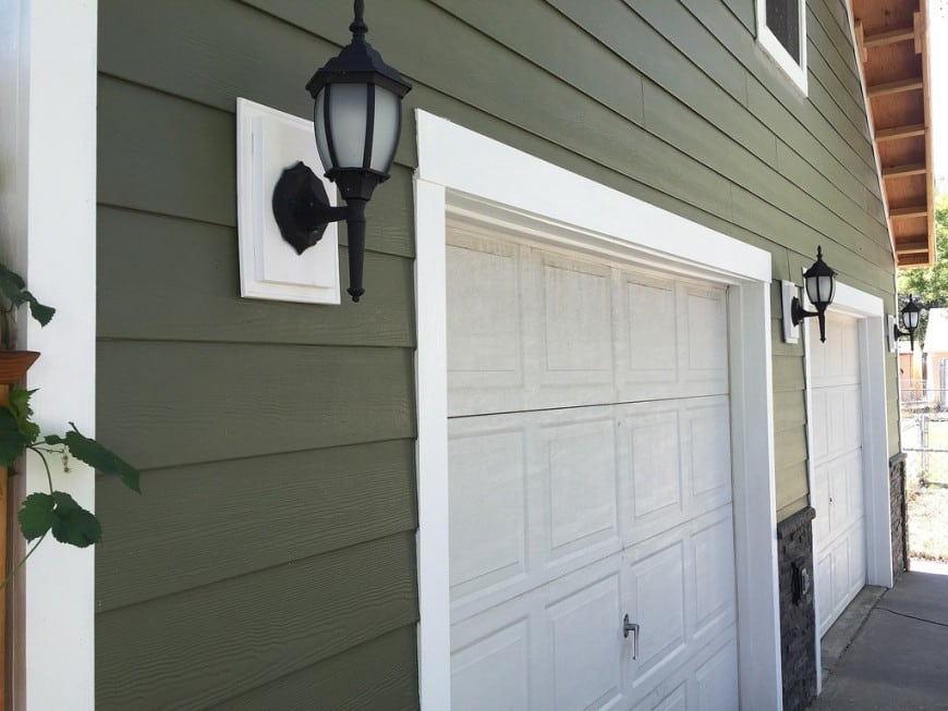 8 types of house siding materials pros cons of house for Types of house siding materials