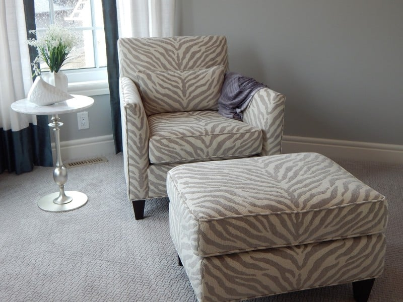 furniture chair with ottoman