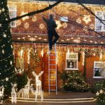 Safety Guidelines For Putting Up Outdoor Holiday Lights